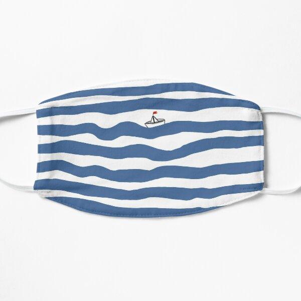 Kleines Boot im großen Meer Flache Maske