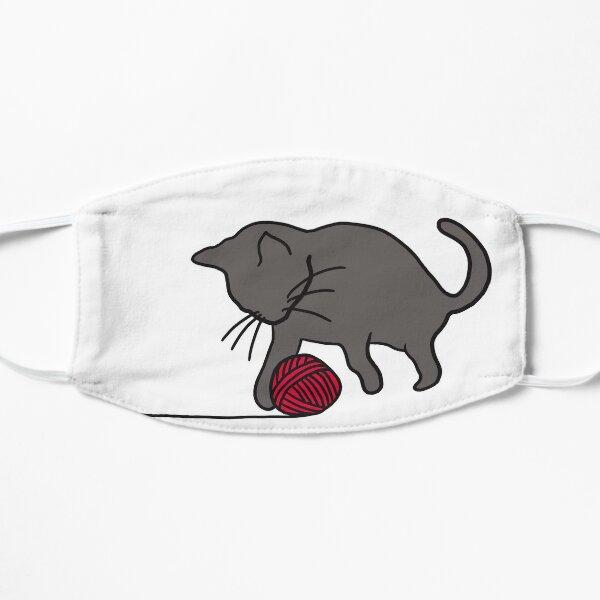 kleine, mit Wolle spielende Katze Flache Maske