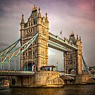 Tower Bridge by hebrideslight