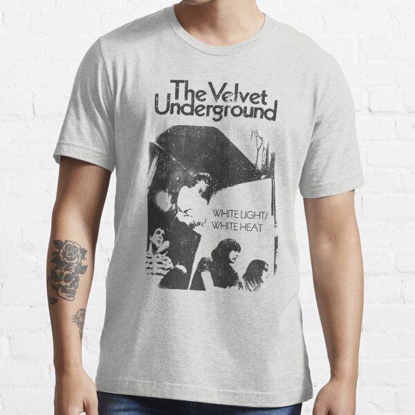 Chaleur et lumière blanches (design vieilli) T-shirt essentiel