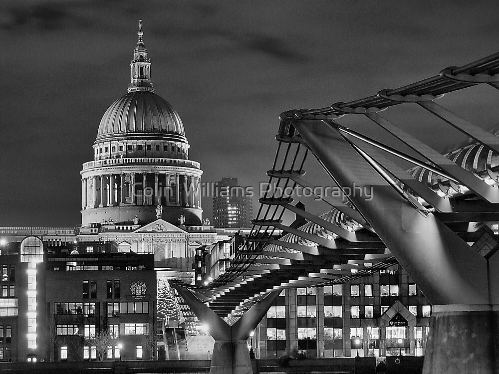 Walkway To St Pauls by Colin  Williams Photography