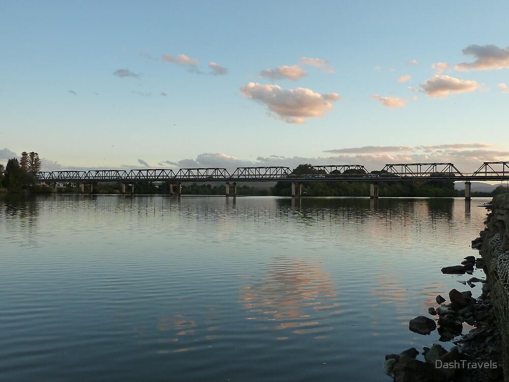 Manning River at dusk, Taree, NSW by DashTravels