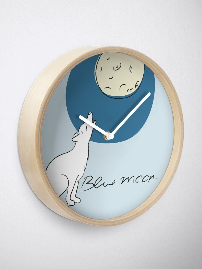 Alternate view of Bluemoon, Wolf howls at the full moon Clock