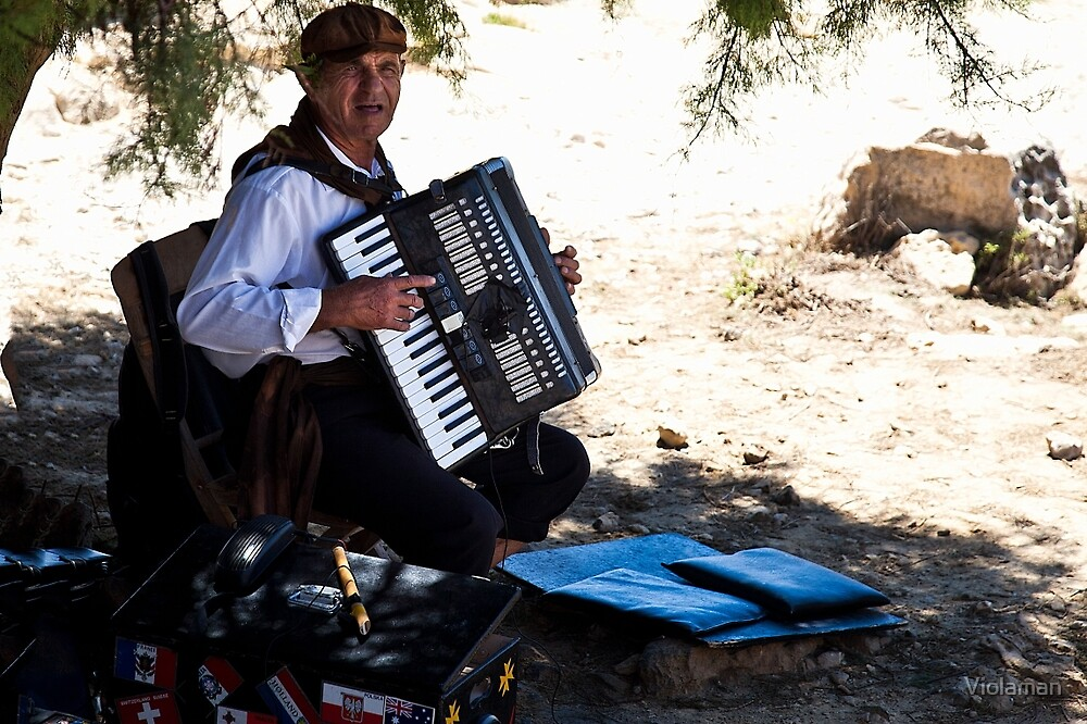 Old man and an accordion by Violaman