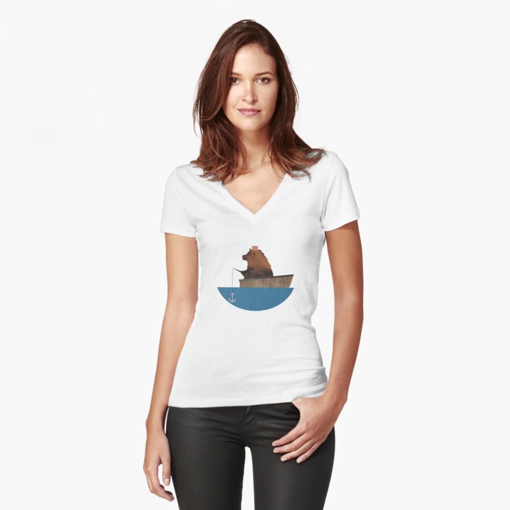 Cheltenham der Bär: Angelausflug Tailliertes T-Shirt mit V-Ausschnitt