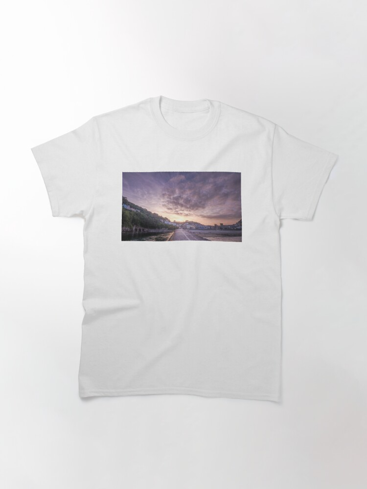 Alternate view of Banjo Sunset, Looe Classic T-Shirt