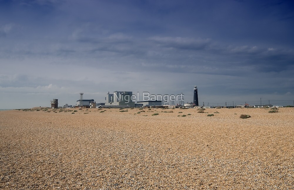Nuclear Power at Dungeness by Nigel Bangert