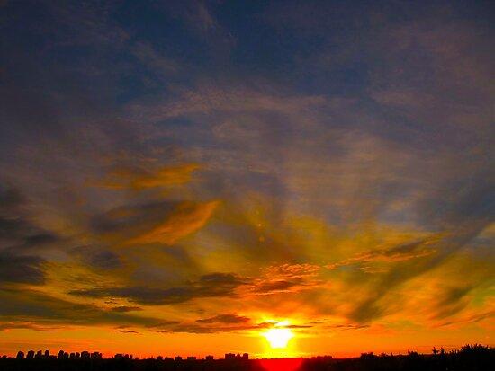 A perplexed sky by MarianBendeth