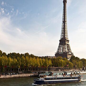 Trip in Paris by MathieuLongvert