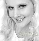 Blonde Gl'Amor Headshot by shhevaun