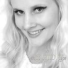 Blonde Gl'Amor Headshot by Shh op!