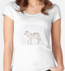 Tip Toe in the Snow - Arctic wolf Women's Fitted Scoop T-Shirt
