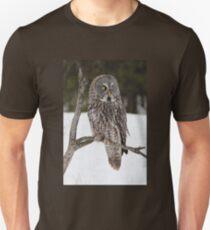 Great Grey Owl portrait T-Shirt