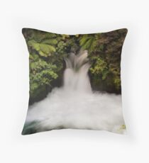 Kaituna falls Throw Pillow