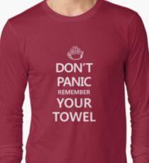 DON'T PANIC Long Sleeve T-Shirt