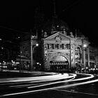 Flinders St Station - Melbourne by Graeme Buckland