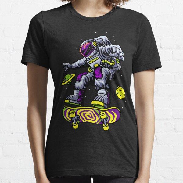 Skateboarding astronaut Essential T-Shirt