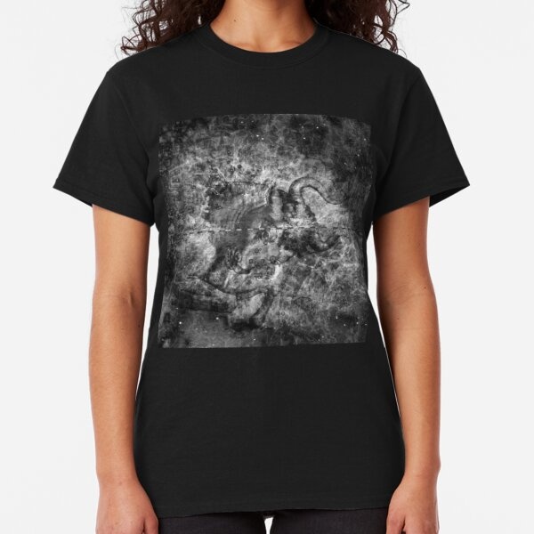 When The Stars Are Right - The Crab Nebula in Taurus (b&w version) Classic T-Shirt