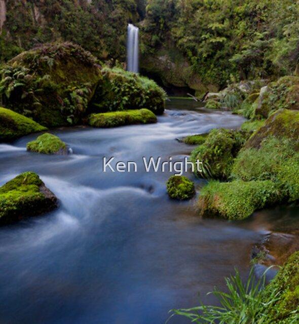 Omanawa River by Ken Wright