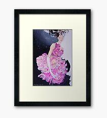 Femme de fleur Framed Print