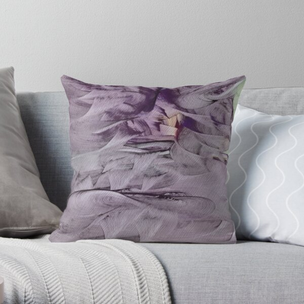 Hendursagga Throw Pillow