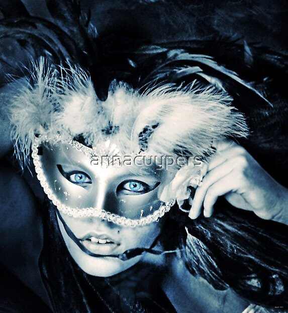 Blue eyed mask by annacuypers