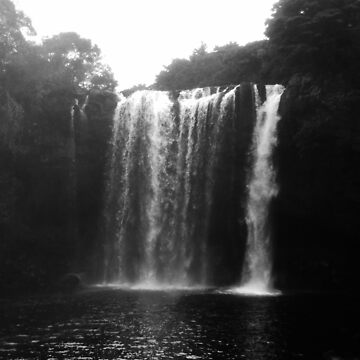 Rainbow Falls from Below by cadellin