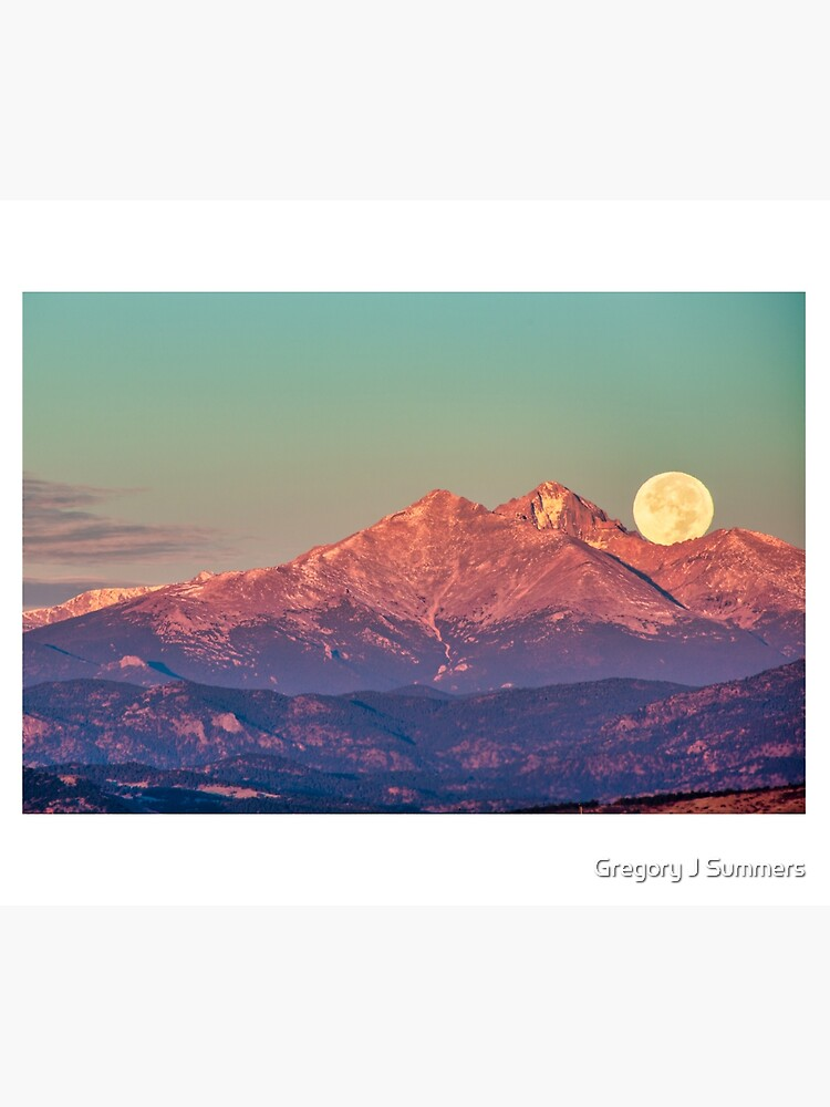 The Moon Turns To Sleep by nikongreg
