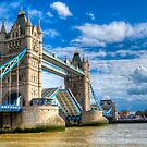 Jubilee River Pageant Boat by Thasan