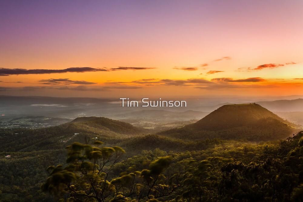 Mt Tabletop Sunrise Christmas Day 2011 by Tim Swinson
