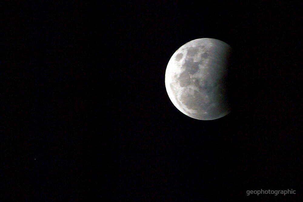 Partial Lunar Eclipse II by geophotographic