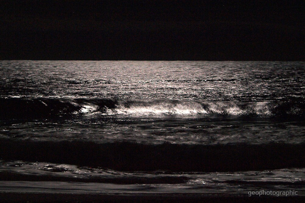 waves in moonlight by geophotographic
