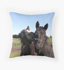 I'M SO POPULAR! Throw Pillow
