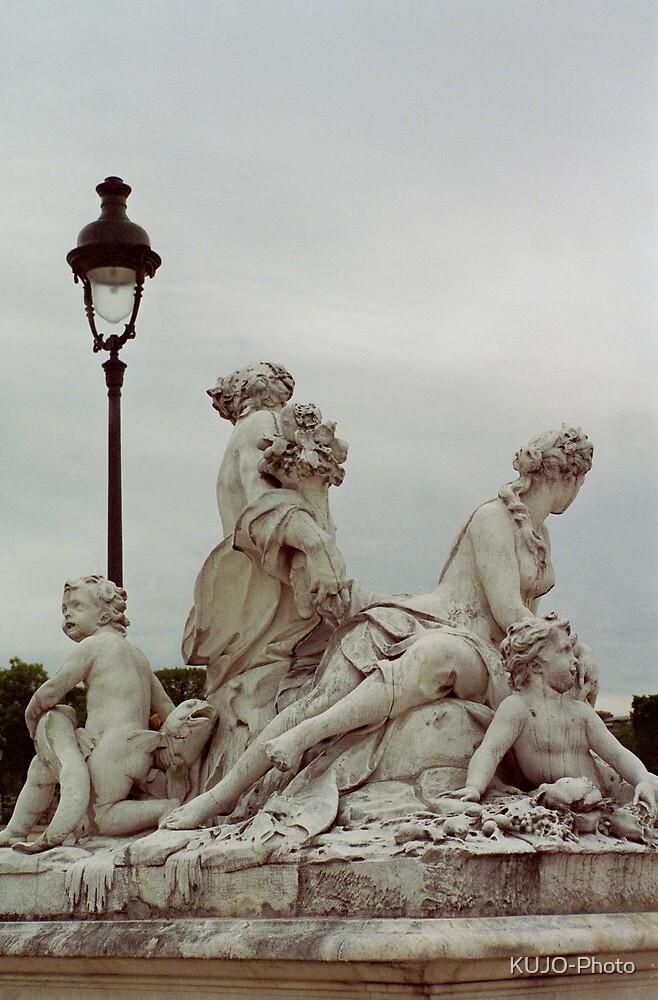 Sculptures, Paris by KUJO-Photo