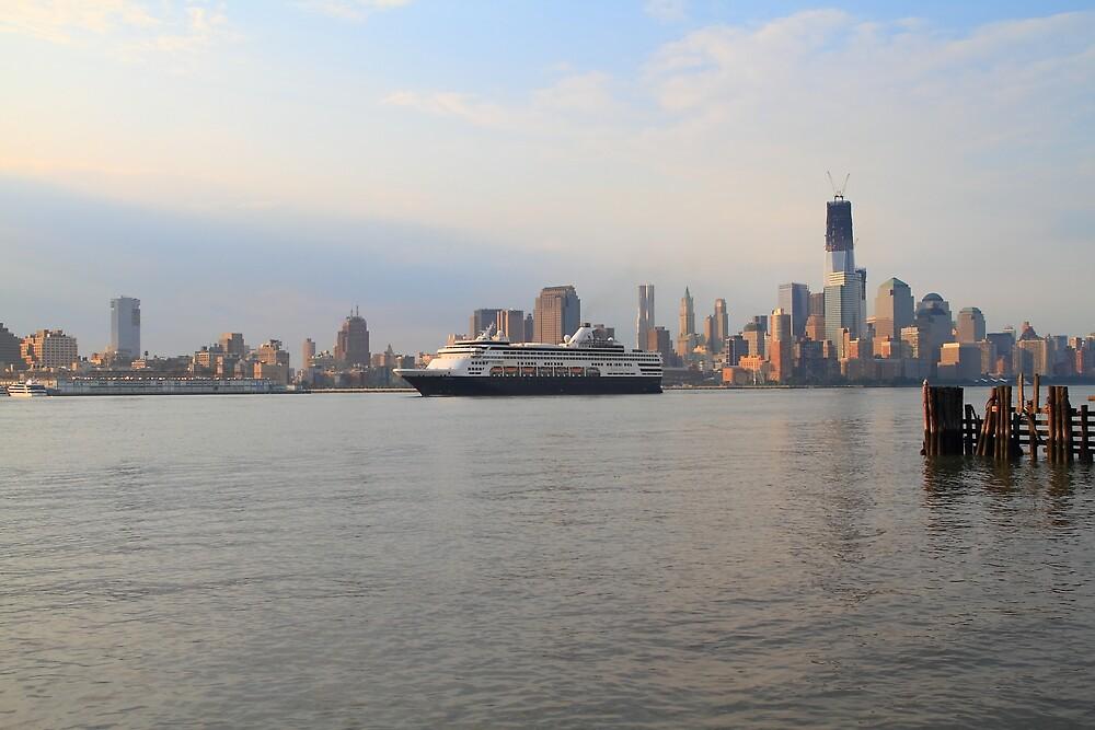 Cruise Ship Veendam on the Hudson River by pmarella