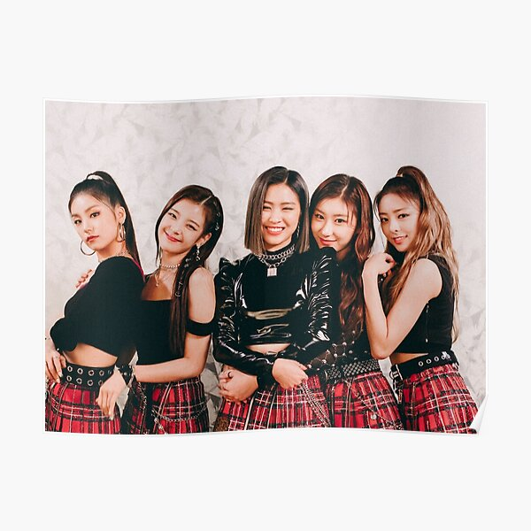 itzy <3 Poster