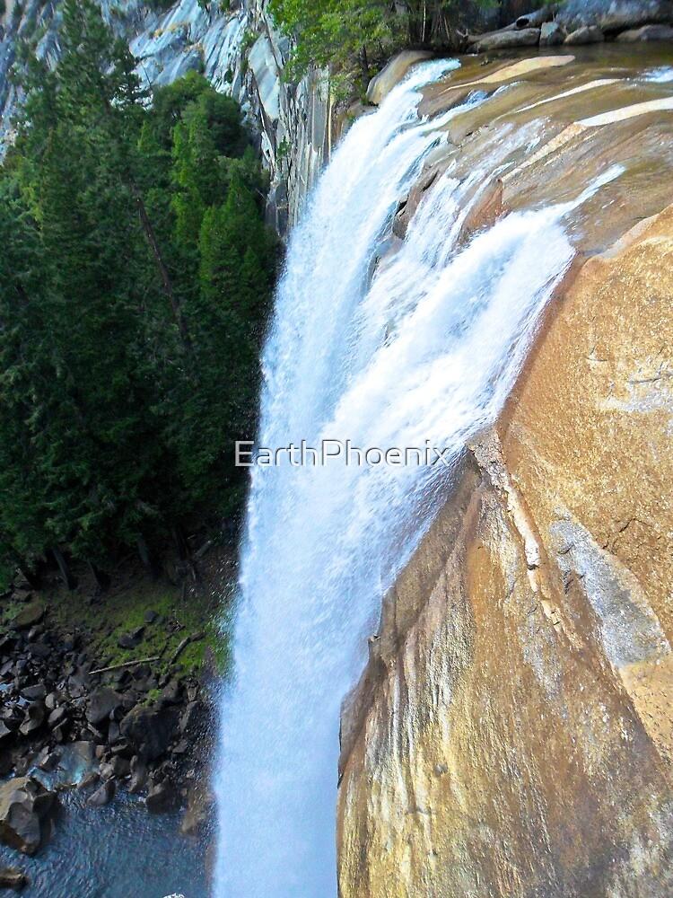 A Great Fall in Yosemite by EarthPhoenix