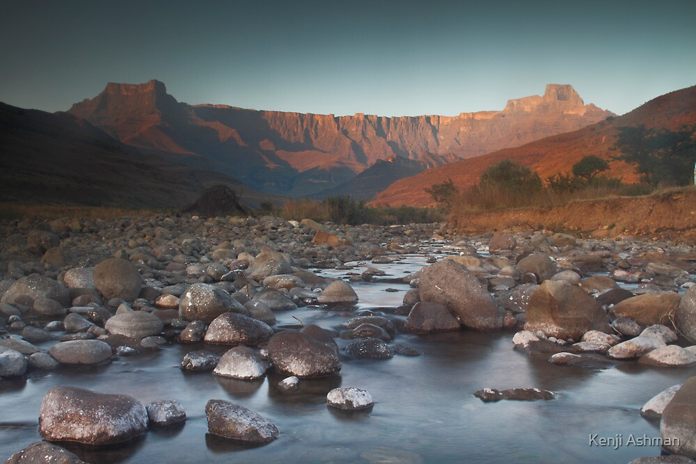 Early morning light on Amphitheater by Kenji Ashman