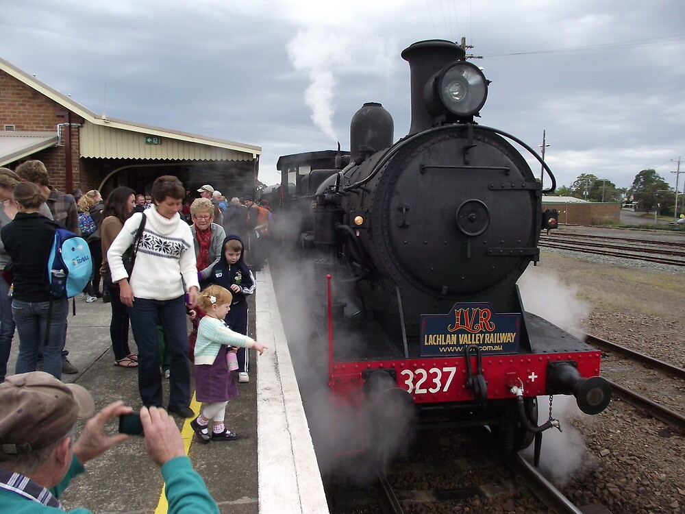 Lachlan Valley Railway 3237 by Gary Kelly