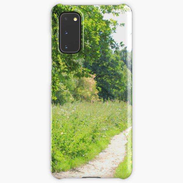 Grüner Weg im Wald. Wilde Natur. Samsung Galaxy Leichte Hülle