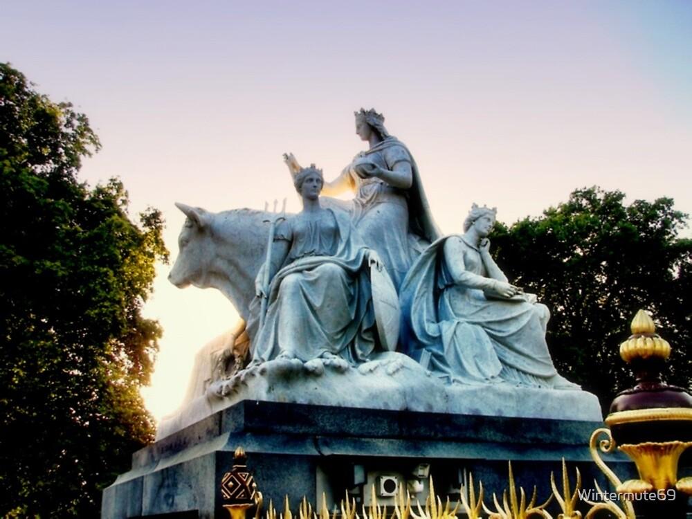 Statue in Kensington garden by Wintermute69