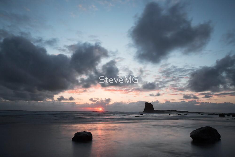 The Black Nab - Saltwick Bay by SteveMG