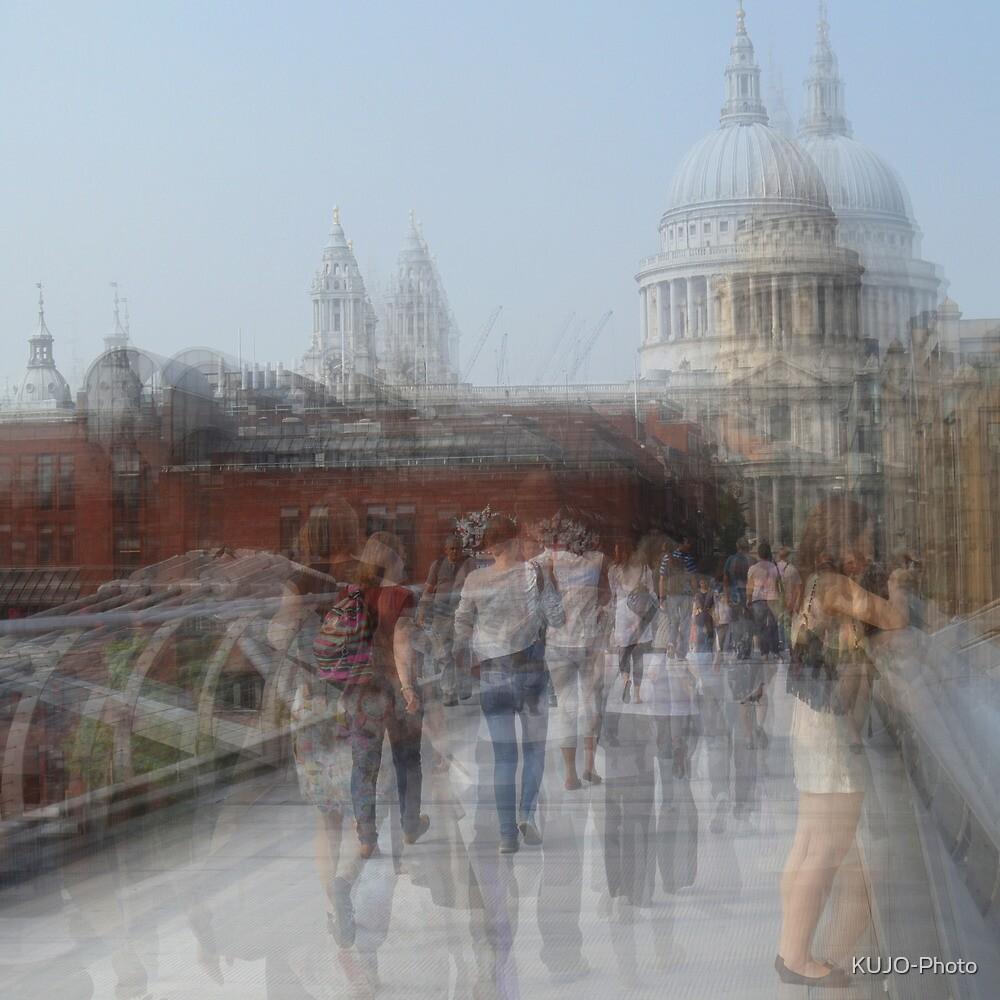 Millenium Bridge in Motion, London by KUJO-Photo