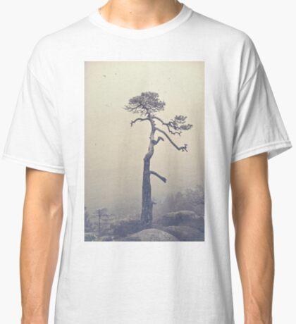 A single tree Classic T-Shirt