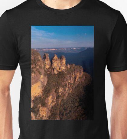 Three Sisters at sunset, Blue Mountains, Australia T-Shirt