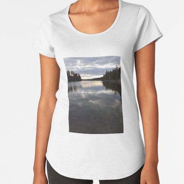 Oven Head in Evening, New Brunswick Premium Scoop T-Shirt