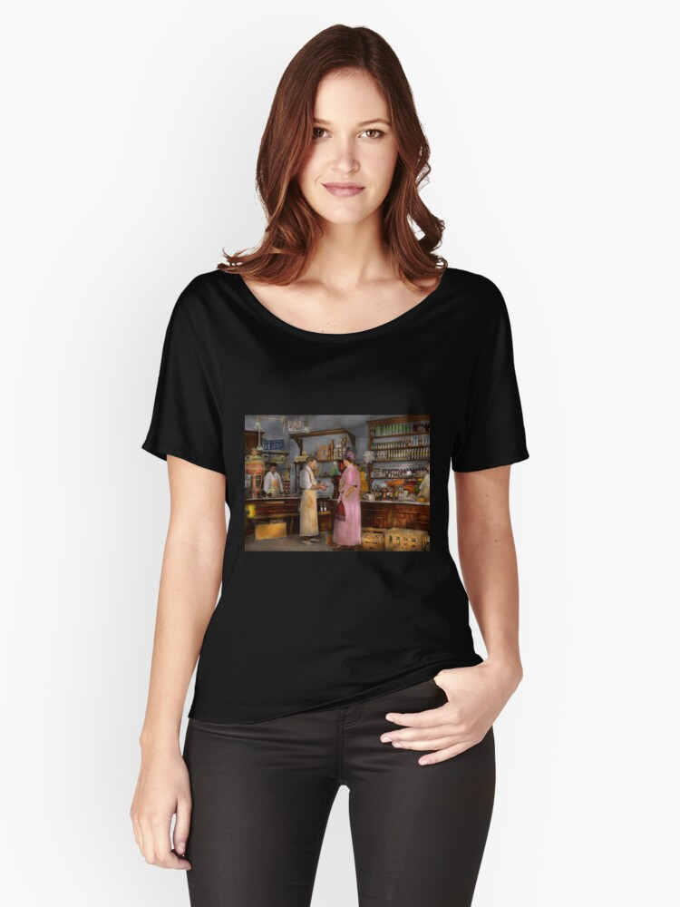 Store - In a general store 1917 Women's Relaxed Fit T-Shirt Front