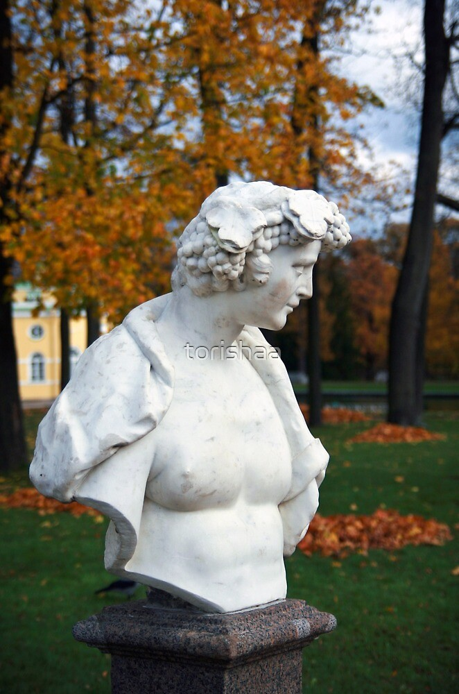 Statue in the park Tsarskoye Selo, Russia by torishaa