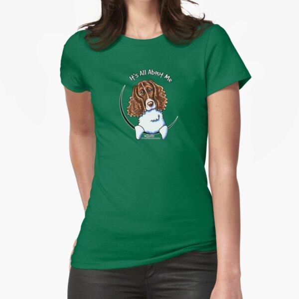 Kunstmarker und Buntstifte für einen Spaß Tailliertes T-Shirt