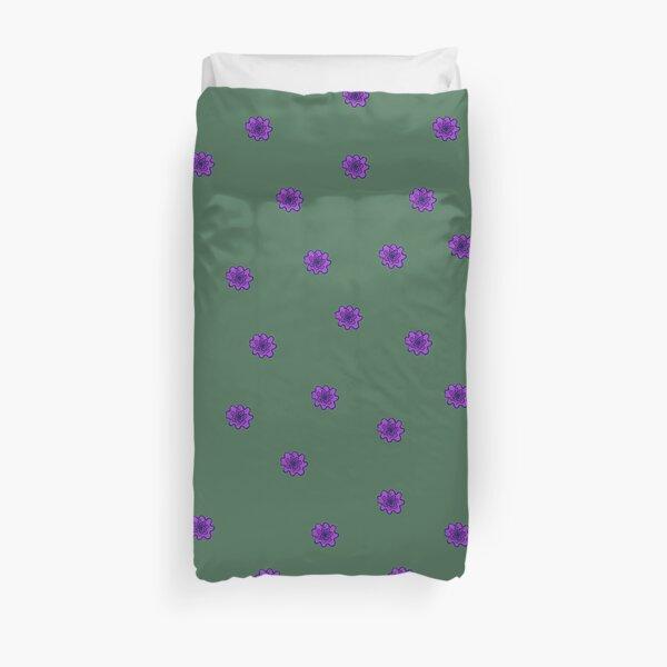 Psychedelic purple flower Duvet Cover
